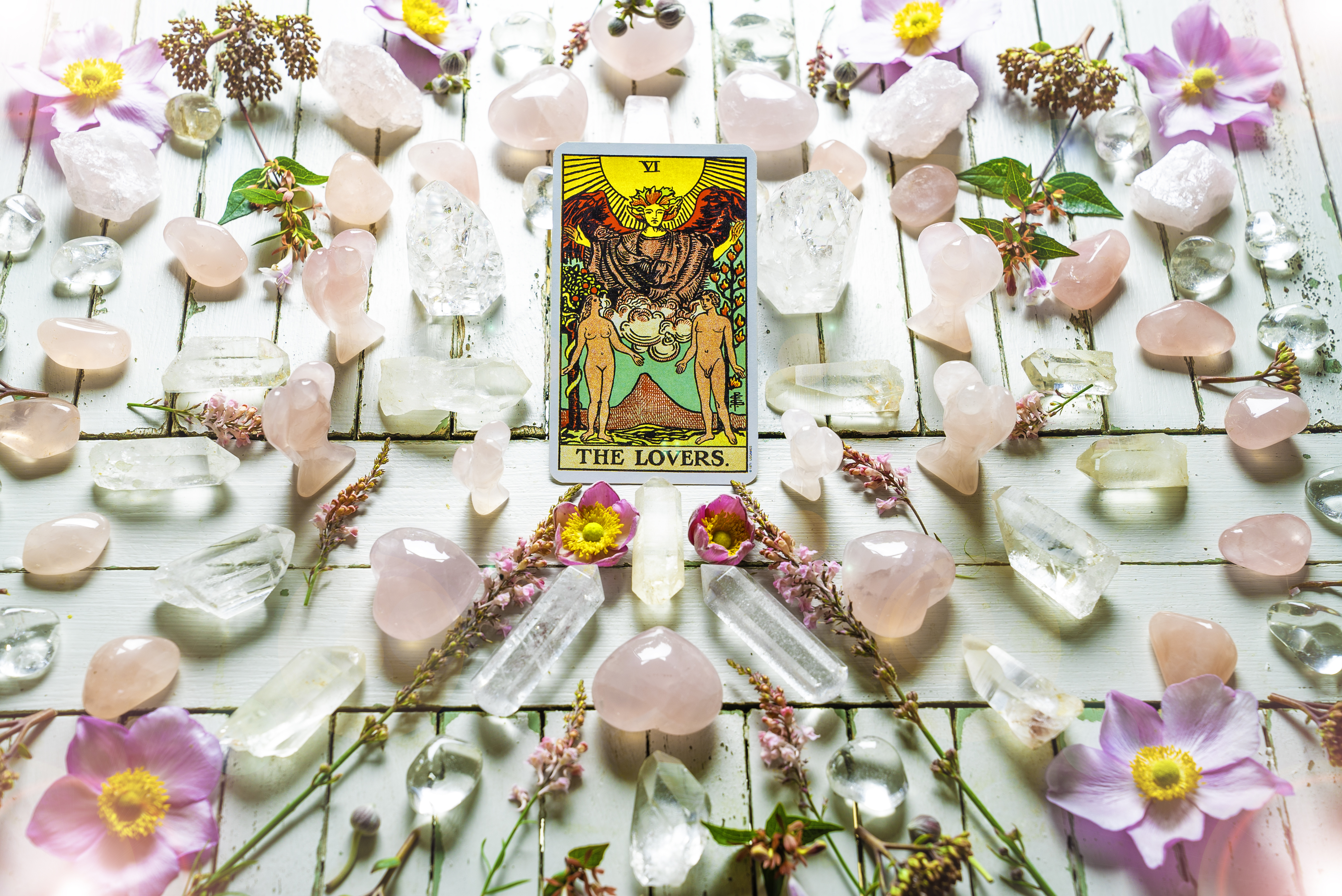 Your weekly Tarot Reading with our psychic Sally 17 June